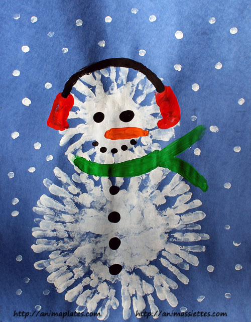 Bonhomme de neige avec la peinture au doigt